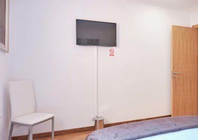 habitacion doble pensiones peregrina detalle tv