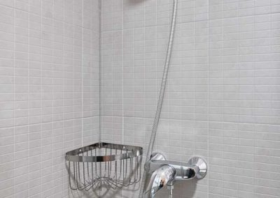 baño compartido pension o pedrouzo